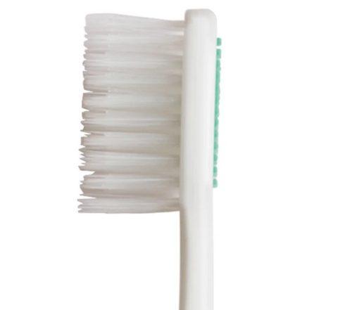 「AP 24 歯ブラシ」には「トリプルアクション クレンジング」を採用