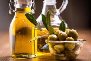 オリーブの果実などに含まれている「ヒドロキシチロソール」というポリフェノールには強い抗酸化活性や抗炎症作用などの優れた栄養効果があります